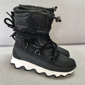 New Sorel Kinetic Boot Black and White 7.5
